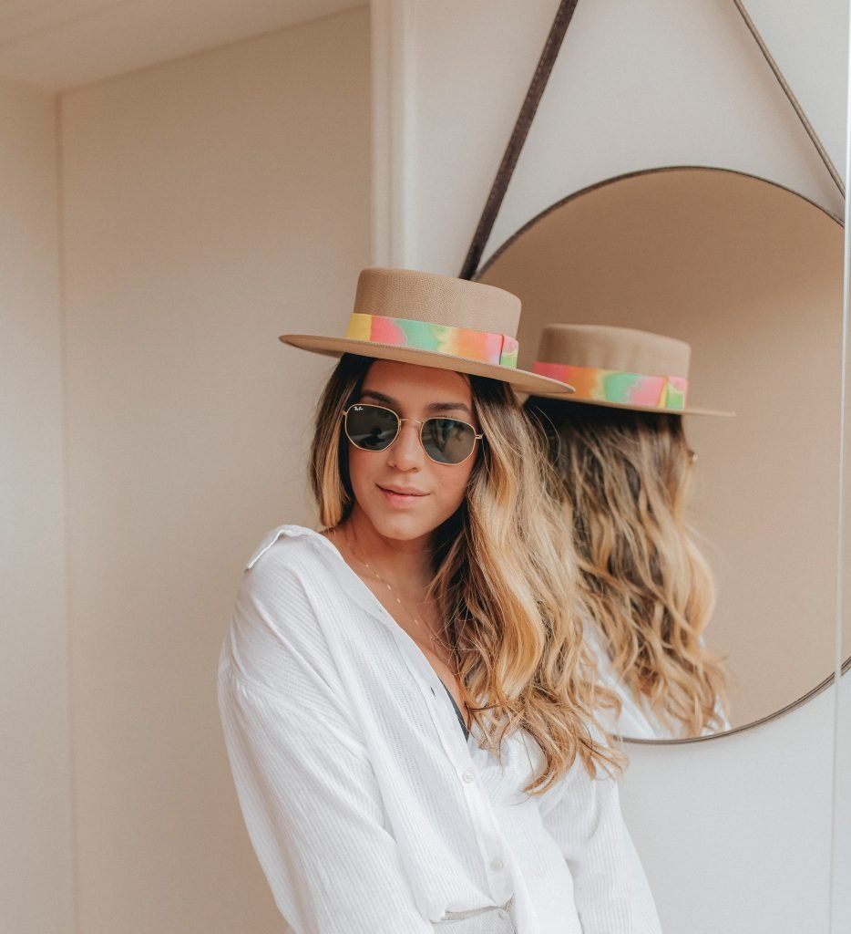 tie dye e chapéu feminino malu pires