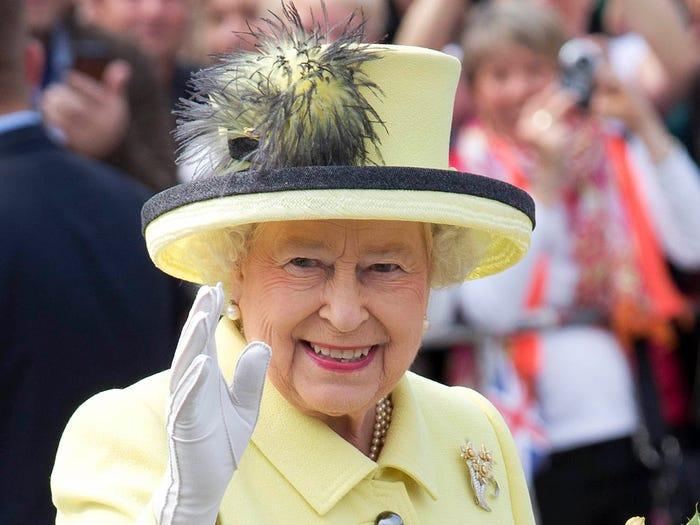 Rainha com chapéu