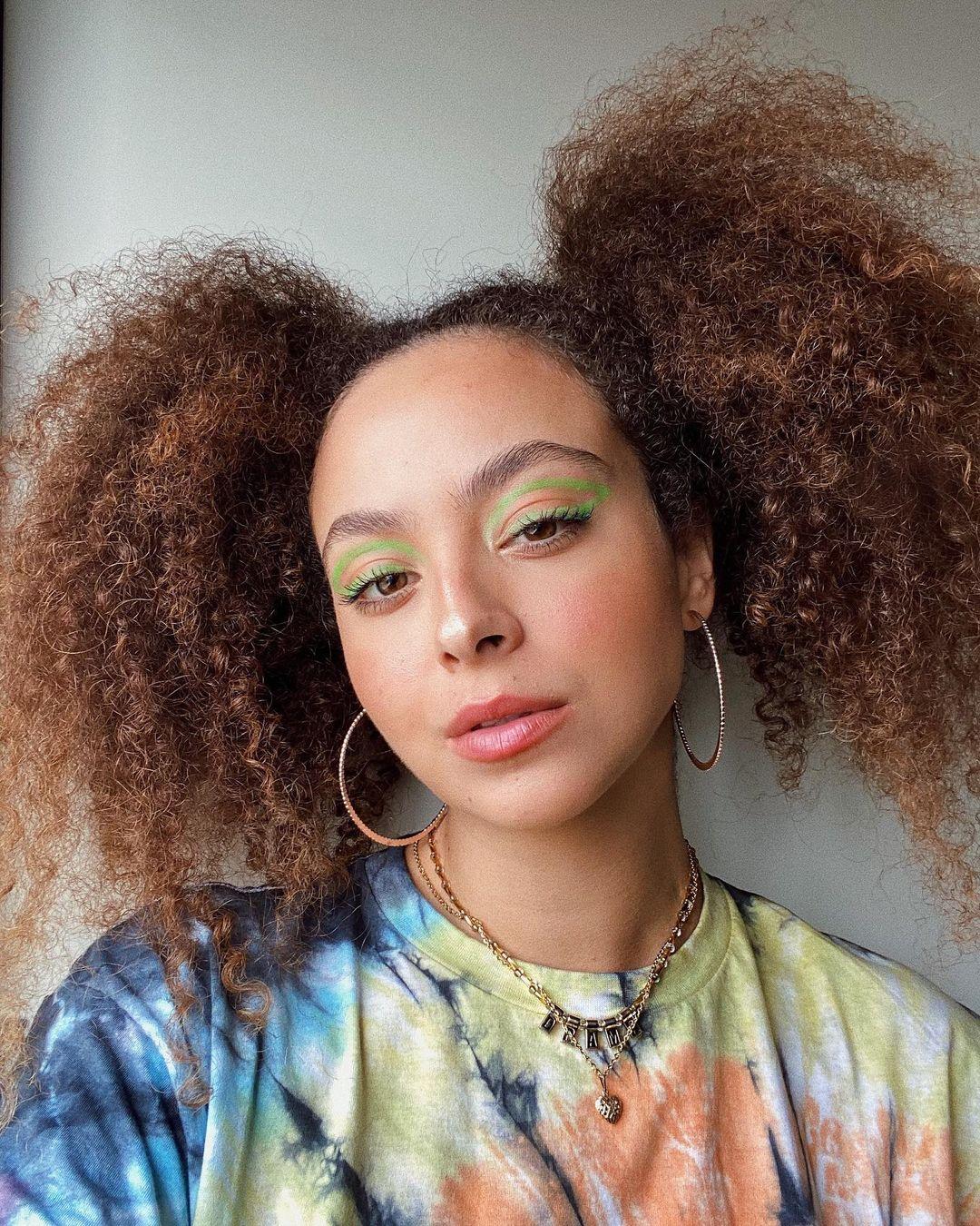 Imagem mostra cabelo estilizado