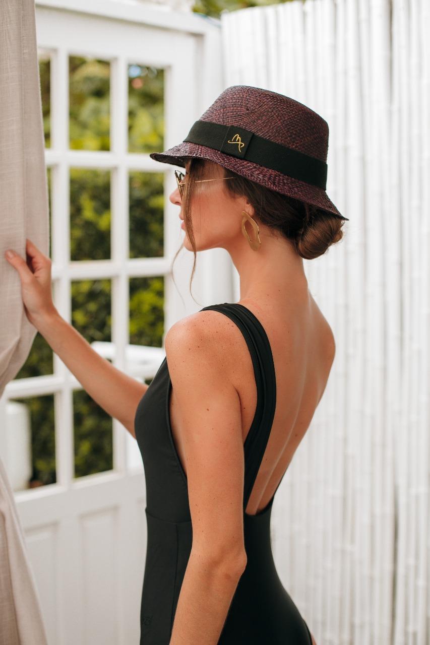 Imagem mostra chapéu bucket - como usar