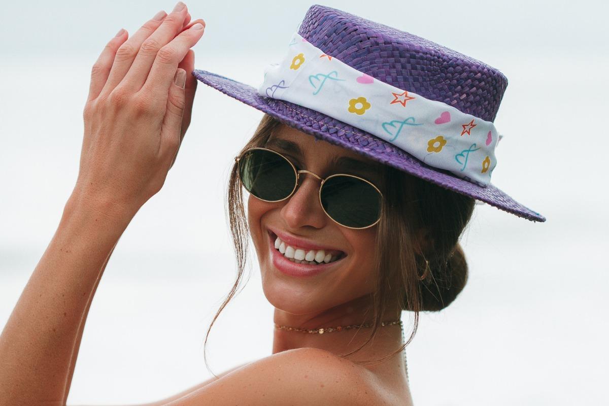 Imagem mostra chapéu com lenço