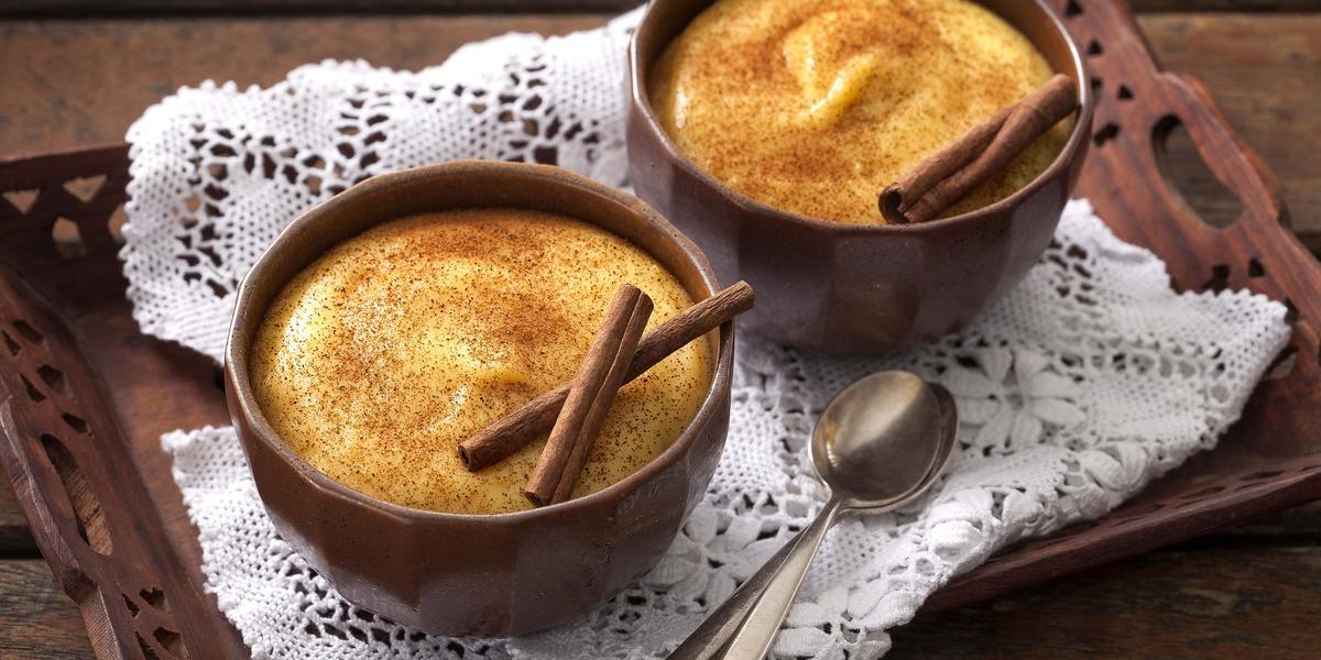 Imagem mostra curau de milho - festa junina comidas