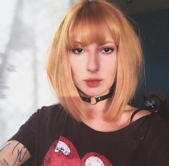 Imagem mostra cortes de cabelo médio